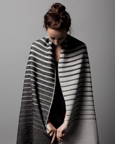 stringtheory_gradient_shawl